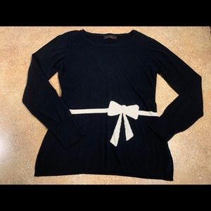 The Limited Bow Sweater 🎀